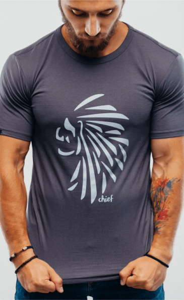 фото мужской прикольной футболки Flyingbro chief