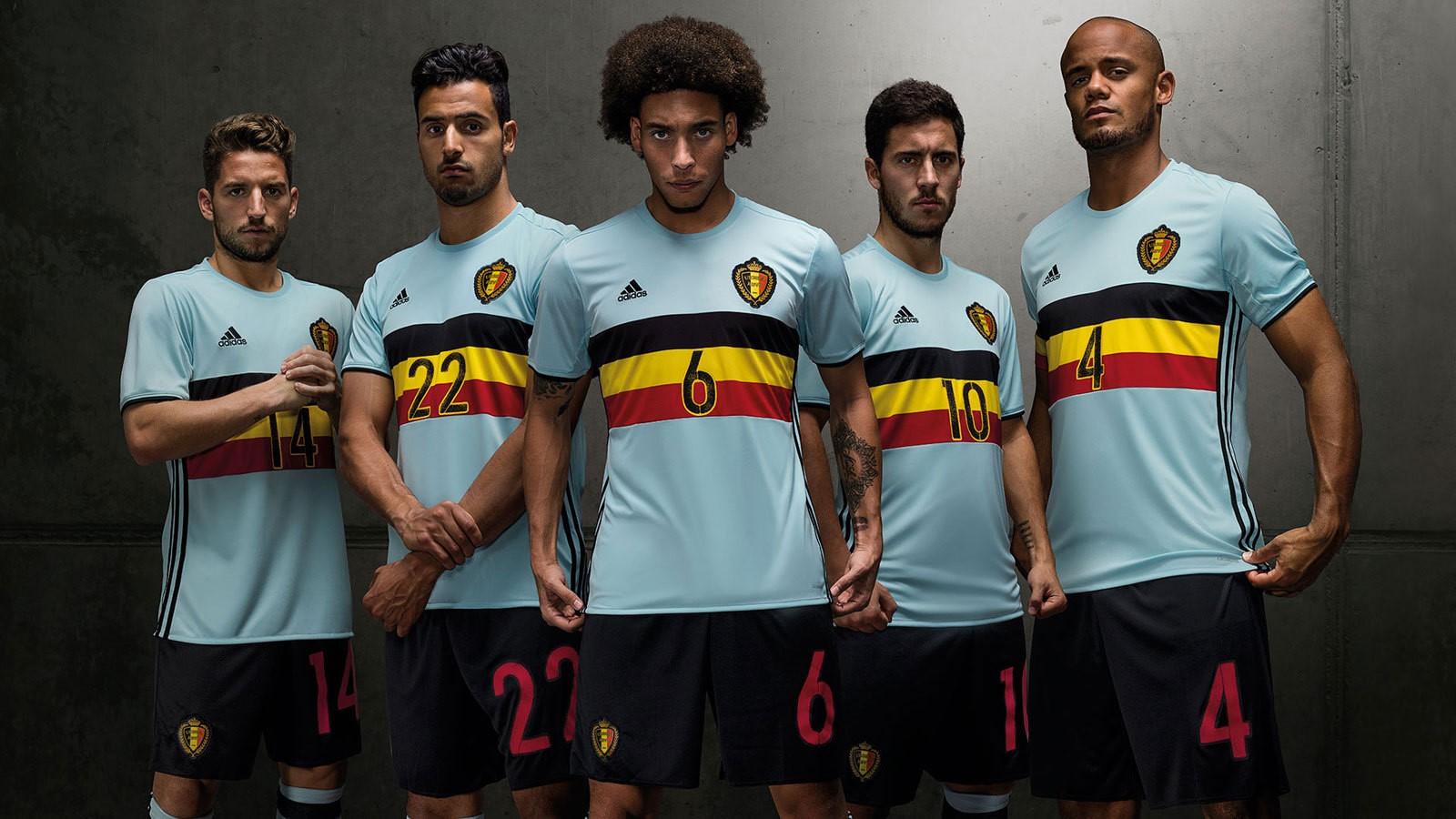 фото футболки футбольной формы сборной бельгии