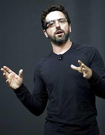фото сергей брин основатель Google в футболке