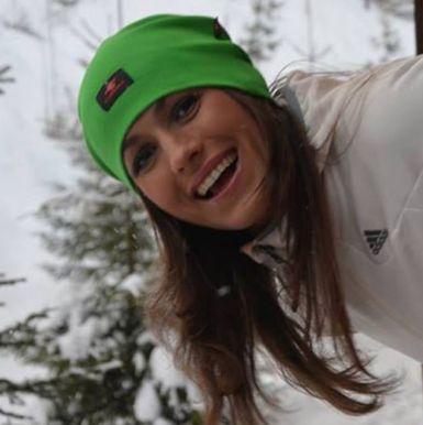 стильная-женская-шапка-купить-зимняя-летючийбрат-flyingbro