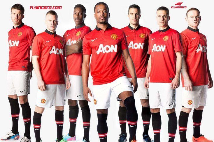 Самые дорогие фирменные футболки: ТОП-7 футбольных клубов
