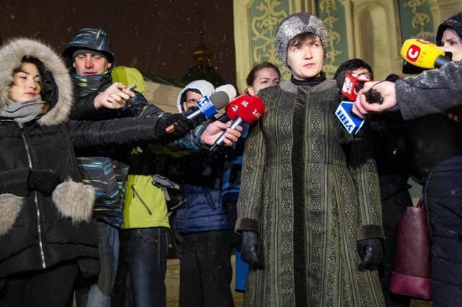 Кто надоумил Савченко купить шапку, как у генерала?