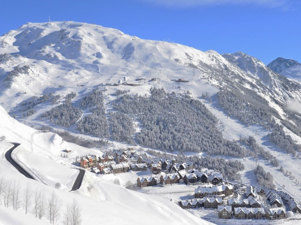 Лучшие-горнолыжные-курорты-Европы-Бакейра-Берет-2