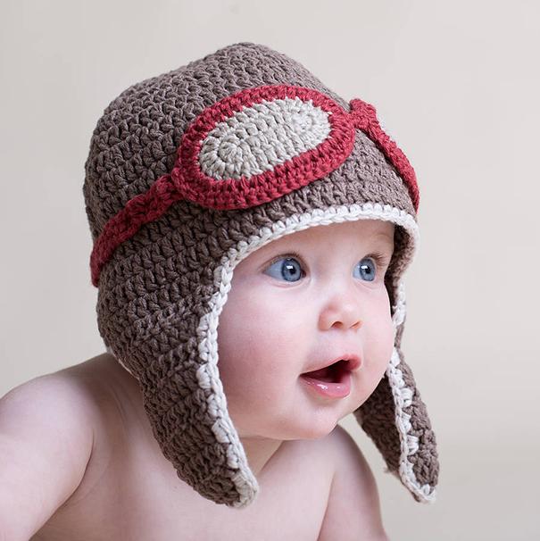 вязаные спицами шапки